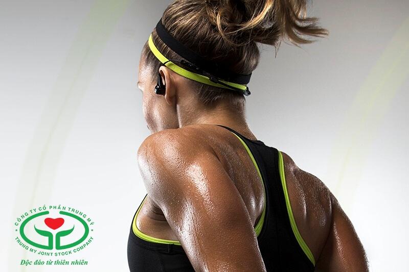 Mồ hôi tiết ra nhiều hơn khi tập thể dục
